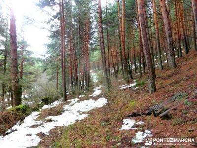 Chorro o Chorrera de San Mamés; actividades aire libre; viajes puente noviembre;botas de goretex